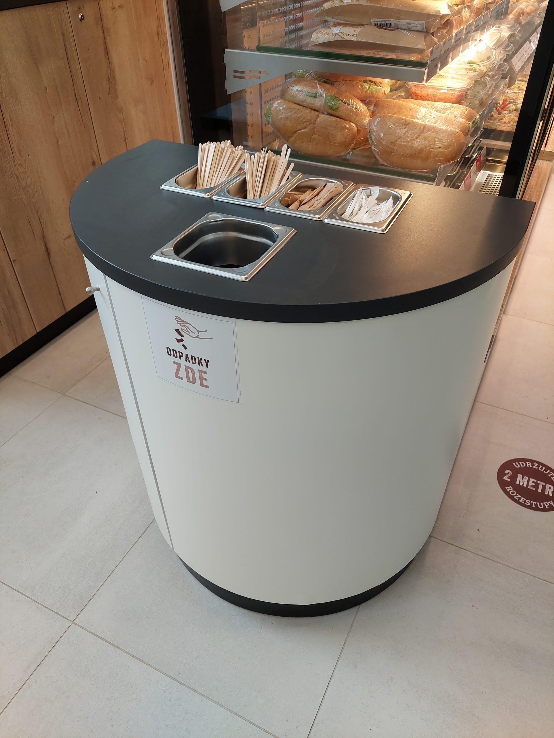 FESCHU Liberske lahudky Vysocany doplnkovy kavovy pult s odpadkovym kosem