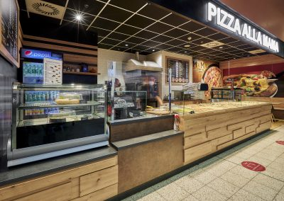 Pizza Alla Mama, OC Kaufland, Mělník