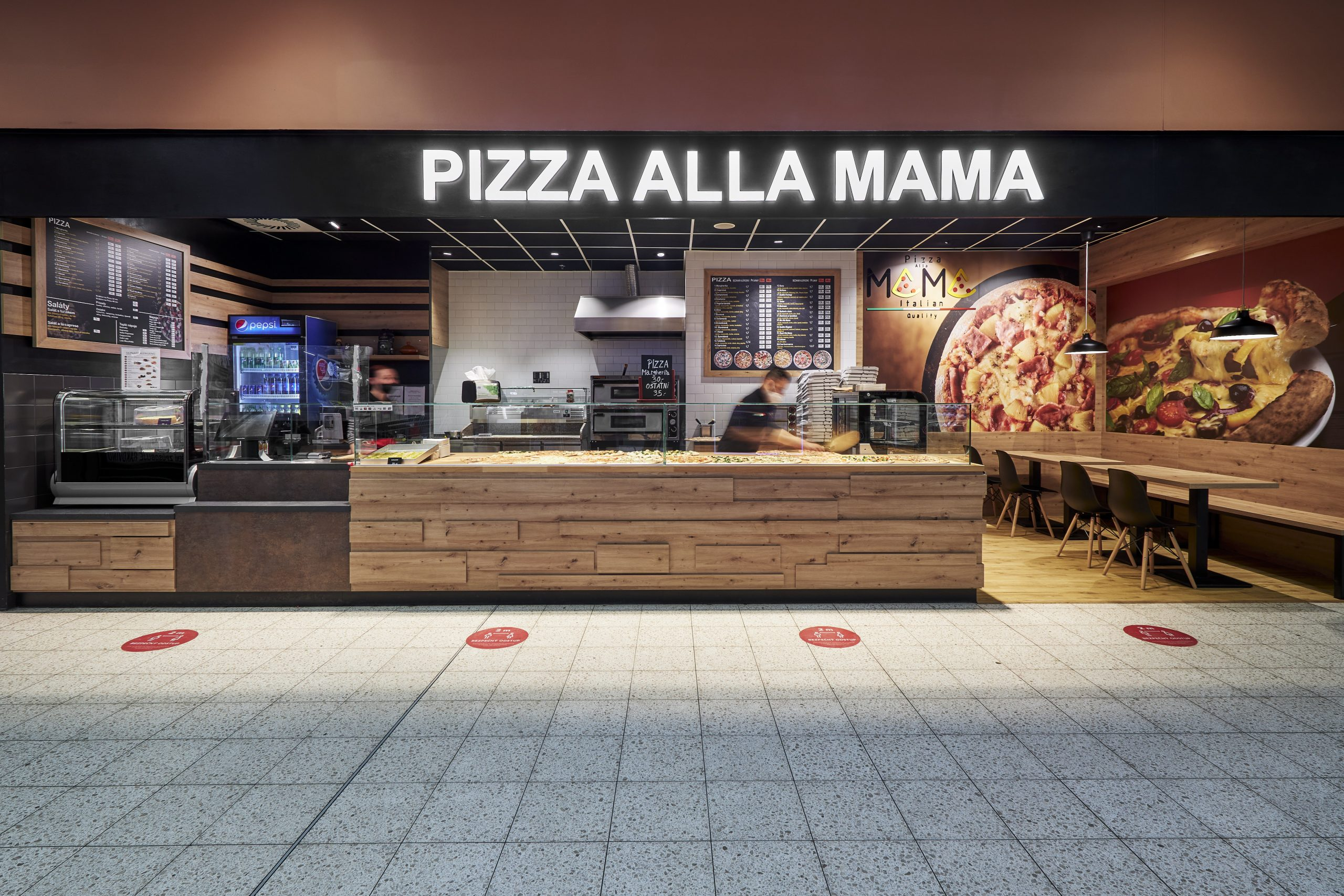 FESCHU Pizza Alla Mama OC Kaufland Melnik drevene oblozeni