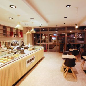 Pohled na interiér Sambio café