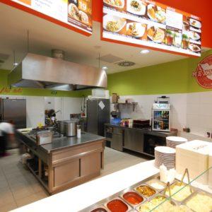 Habanero Mexican Grill - pohled do kuchyňské části, nerezový gastro nábytek