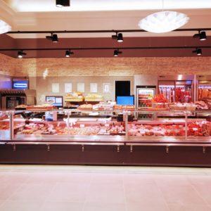 Chladící vitríny v prodejně Krušnohorské uzeniny, Dubí